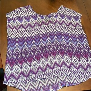 Torrid size 0 purple light top with bow on back